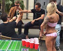 EVIL JAREDS Beer Pong Table + 6 Beer Pong Bälle mit Logo | Special Edition Tisch in College Qualität mit offiziellen Maßen | Cooles American Football Design | inklusive Tragegriffe und integrierter Ballhalterung